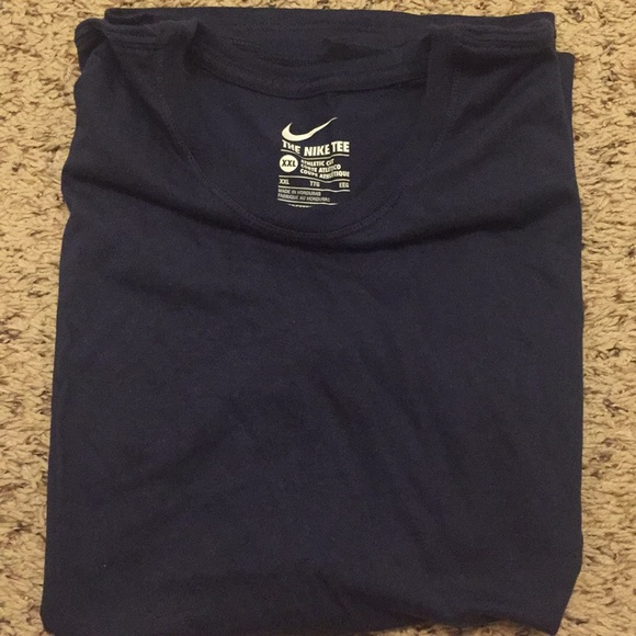 Nike Tops - Women's size XXL plain Navy tee
